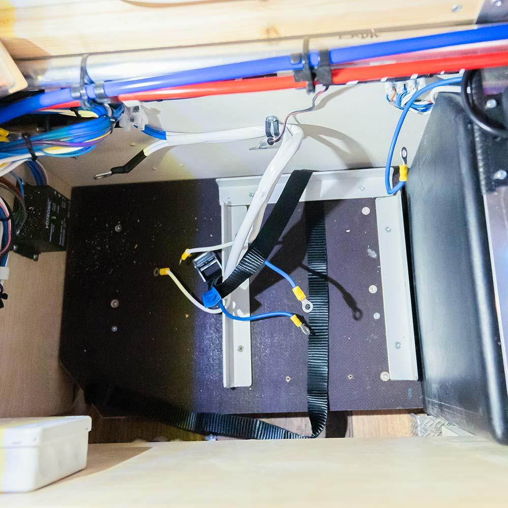 Verkabelung einer Lithiumbatterie im Wohnmobil